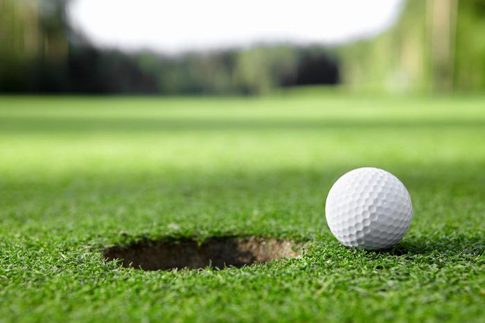 koppla av med en golfrunda